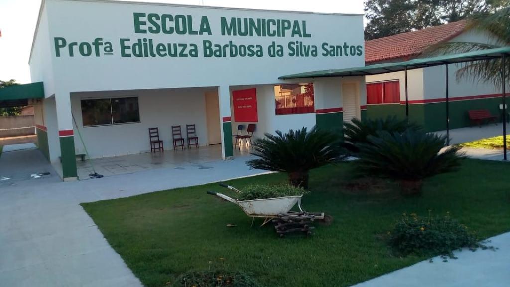 Reforma da Escola Municipal Prfª Edileuza Barbosa da silva. Prefeitura de Figueirópolis-28/05/2020.