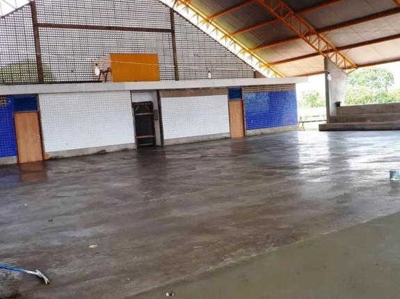 Continuação da construção da Quadra de Esportes da Escola Municipal Prfª Edileuza Barboza da Silva.