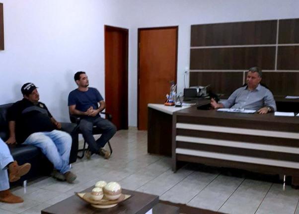 Prefeitura Municipal de Figueirópolis-TO-Dia 02/05/2018-Reunião administrativa, Prefeito Fernandes Martins e Equipe administrativa.