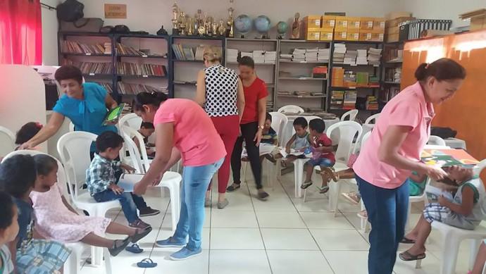 Prefeitura Municipal de Figueirópolis-TO.Secretaria Municipal de Educação- Alunos do CMEI ,visita à Biblioteca,da Escola Municipal Professora Edileusa Barbosa da Silva Santos.